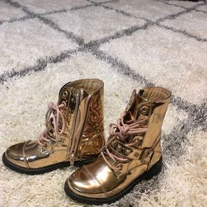 Girls Gold zip up boots